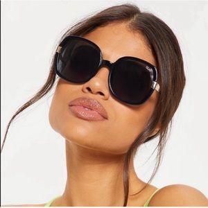 QUAY AUSTRALIA Black Gold Dust Sunglasses